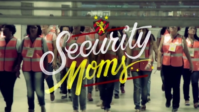 Security Moms / Mamás de la seguridad